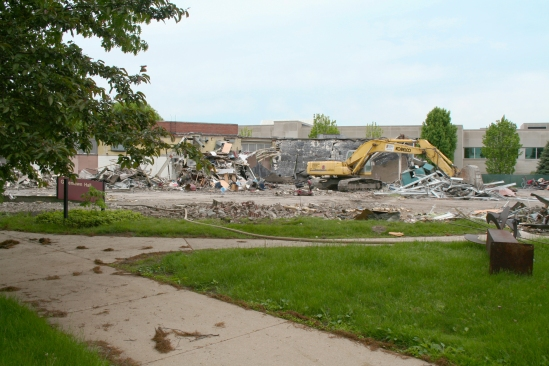 Greenlawn_demolition_roeder_12